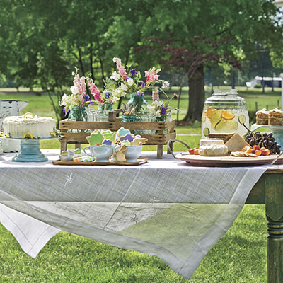 This gorgeous Easter Table from Southern Living