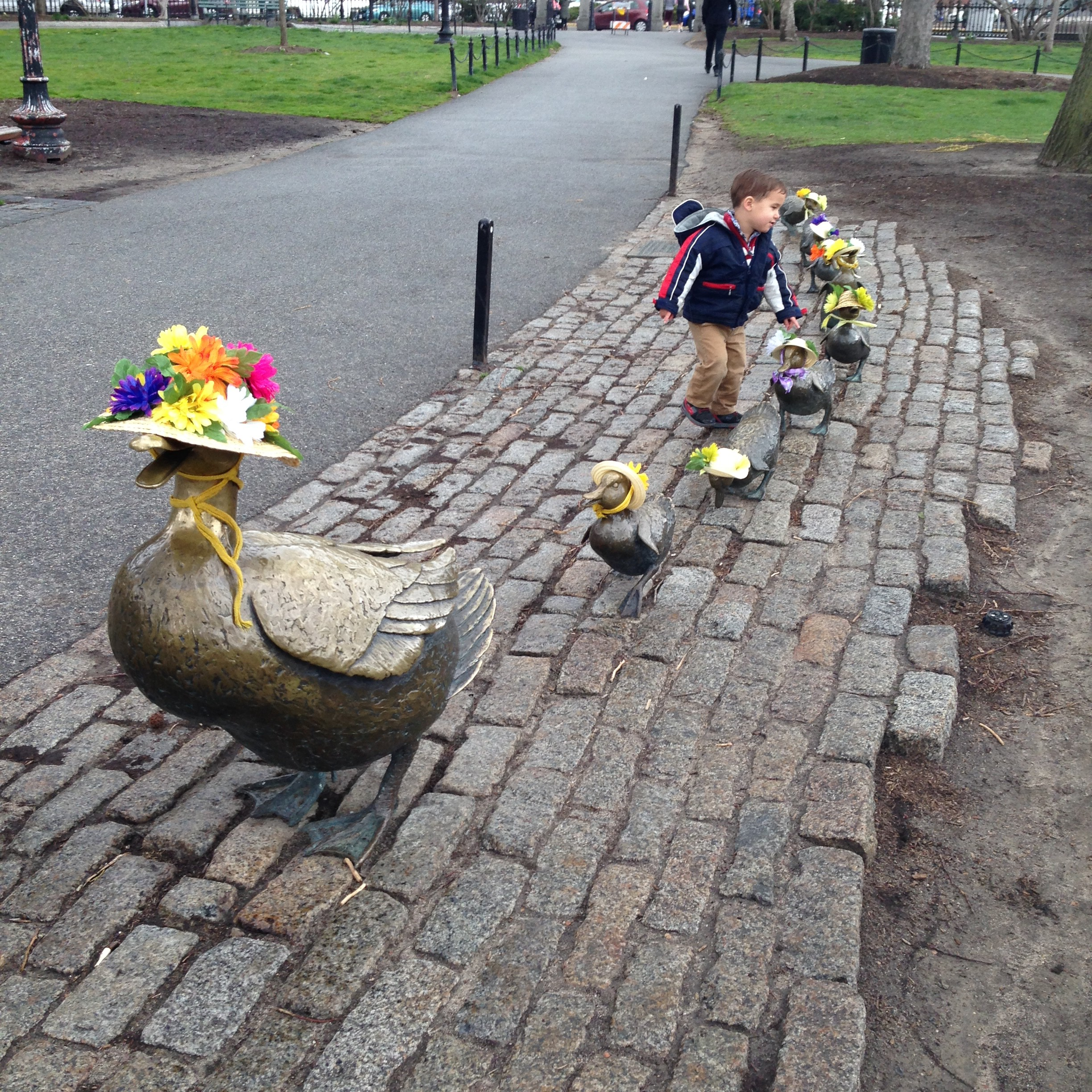 Boston's Make Way for the Ducklings statues